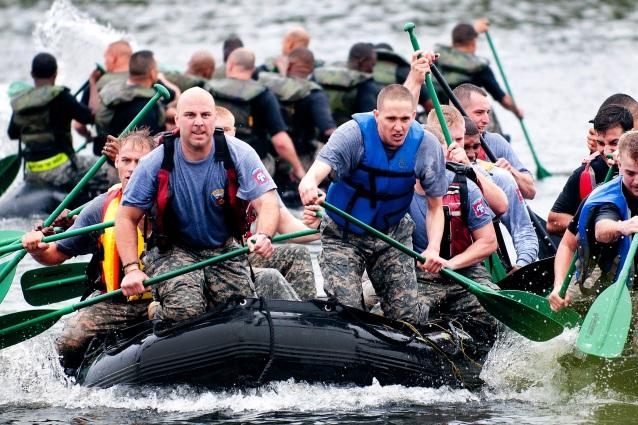 boat-teamwork-training-exercise-39621.jpeg