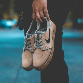 blur-focus-footwear-1476209